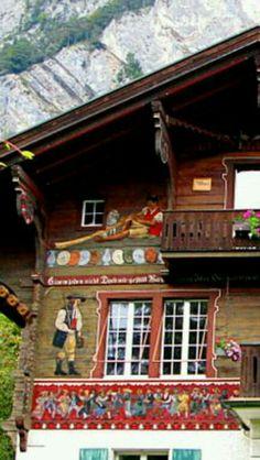 Alpine Chalet, Swiss Chalet, Swiss Alps, Bergen, Alpine Style, Alpine Village, New Theme, Country Living, Flower Decorations