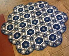 Grow Your Molecule Blanket designed by Elena Fedotova; pattern $6.99.  Granny hexagon, granny square, & triangle JAYG.  Pic from Ravelry Project Gallery by wilmaelee.  *See Project Gallery for notes.  . . . .   ღTrish W ~ http://www.pinterest.com/trishw/  . . . .   #crochet #afghan #throw