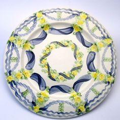 Alle Platzteller der Familie BlueHoria-Berdea! Die Blau-Gelb-Grüne Designfamilie von Unikat-Keramik. Das wohl einzigartigste Keramik Geschirr der Welt! Plates, Detail, Tableware, Blue Yellow, Unique, Dishes, World, Licence Plates, Dinnerware