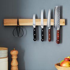maple knife grabber designed by michael ruhlman (? via provisions by Kitchen Utensils, Kitchen Knives, Kitchen Tools, Kitchen Gadgets, Kitchen Dining, Tidy Kitchen, Kitchen Stuff, Kitchen Items, Kitchen Organization