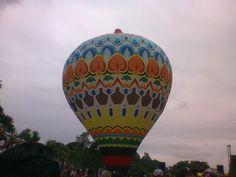 Y al fin este globo está listo para volar.