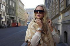 Torstaina suuntasin tällä viikolla toistamiseen Helsinkiin. Sää tuntui paljon syksyisemmältä kuin alkuviikosta joten kaivoin innoissani kaapista reiss