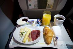 - Check more at https://www.miles-around.de/trip-reports/business-class/lufthansa-business-class-im-airbus-a320-200-nach-muenchen/,  #A320-200 #Airbus #BusinessClass #Lufthansa #MUC #OSL