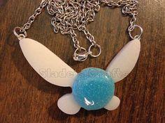 Leuchtende Navi Harz-Halskette von SladesCrafts auf Etsy