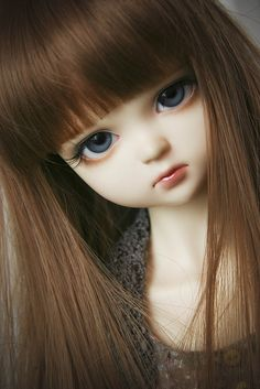 Wow she reminds me of my grandaughter Ember! Her eyes and face!