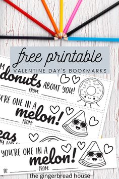 Valentine's Day is the perfect time to show a friend you care! Our free printable Valentine's Day bookmarks can be coloured in, cut out and given to a friend. Valentine's Day Crafts For Kids, Valentine Crafts For Kids, Holiday Crafts, Holiday Fun, Printable Valentine Bookmarks, Bookmarks Kids, Valentines Day Coloring Page, Valentine's Day Printables, Gingerbread
