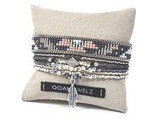 Native American tissage de perles bracelet - motif aztèque - Tribal bracelet - bracelet multirang Bohème - Bohème bijoux - bracelet à breloques par OOAKjewelz sur Etsy https://www.etsy.com/fr/listing/476050159/native-american-tissage-de-perles