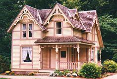 Folk Victorian house - DeKalb, IL (Dave's Victorian House Site - Illinois Gallery)