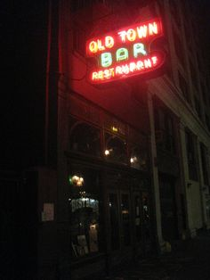 Check out the oldest bars in Manhattan.