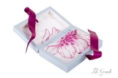 #Caja #porta #arras para la #boda de Idoya y Borja, pintada a mano. www.lolagranado.com