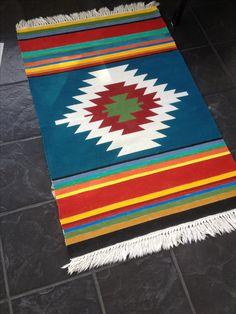 Painted rug Navajo Weaving, Navajo Rugs, Weaving Art, Loom Weaving, Tapestry Weaving, Woven Chair, Woven Rug, Bird Silhouette Art, Tapete Floral