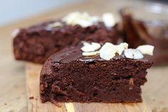 Recette vegan du Gâteau moelleux au chocolat via @hervecuisine