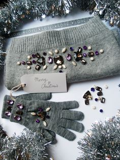 DIY Christmas present idea : Rhinestone embellished scarf and gloves ! : Clones N Clowns by Aimee Wood Diy Christmas Presents, Teenage Girl Gifts Christmas, Last Minute Christmas Gifts, Christmas Gift For You, Last Minute Gifts, Christmas Diy, Handmade Christmas, Diy Presents, Do It Yourself Mode