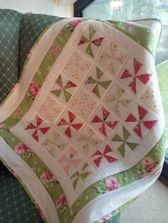 Small Pinwheel Quilt online PDF purchased thru Etsy Red Pepper Quilts Quilt Baby, Baby Girl Quilts, Lap Quilts, Girls Quilts, Scrappy Quilts, Small Quilts, Mini Quilts, Quilt Blocks, Pinwheel Quilt Pattern