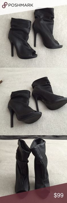 Revolve Clothing Black Ankle Boots Got these on sale from Revolve Clothing so happy to sale them pretty low. Brand is Liliana Liliana Shoes Ankle Boots & Booties