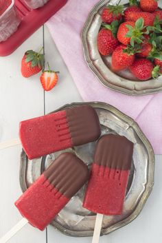 Recipe for Homemade Chocolate Covered Strawberry Popsicle