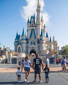 A fairytale! Family goals  A gorgeous family wearing our bestseller royal matching t-shirts. #familygoals #disneyland #kingandqueen #love #family Thank you @imperfectly_perfect1108 for sharing this lovely moment with us. ✨i