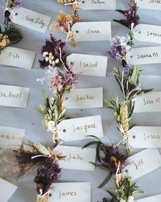 An Organic Touch: 13 DIY Escort Cards from Nature Looking for an easy wedding DIY with big impact? These nature-inspired DIY escort cards are just the thing, and they work for all kinds of weddings! Winter Wedding Favors, Unique Wedding Favors, Spring Wedding, Wedding Centerpieces, Wedding Bouquets, Winter Weddings, Wedding Gifts, Wedding Favours Vintage, Handmade Wedding