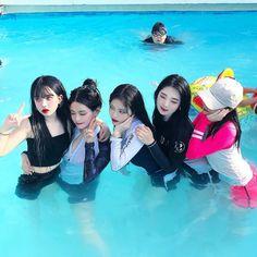 Couple Girls, Bff Girls, Kpop Girls, Korean Picture, Korean Photo, Korean Couple, Korean Girl, Asian Girl, Korean Ulzzang
