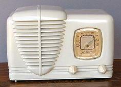 Vintage Art Deco Radio