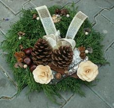 Christmas Wreaths, Xmas, Funeral Arrangements, Thanksgiving Centerpieces, New Years Decorations, Funeral Flowers, Ikebana, Diy And Crafts, November