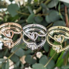 """V našom zásnubnom prstienku Yumi sa symbol srdca doslova zrkadlí a v srdci vašej milovanej sa usídli rovnako rýchlo ako na jej prste, keď vám povie svoje """"áno"""". Jeden diamant v ňom osadený ste vy, muž, ktorému môže dôverovať, majúci porozumenie a s ktorým čas strávený rozhovorom je spoločnou najobľúbenejšou časťou dňa. Či už sa rozhodnete pre ružové, biele alebo žlté zlato, každý výber bude dokonalý, bude predsa váš! Keds, Heart Ring, Engagement Rings, Jewelry, Enagement Rings, Wedding Rings, Jewlery, Jewerly, Schmuck"""