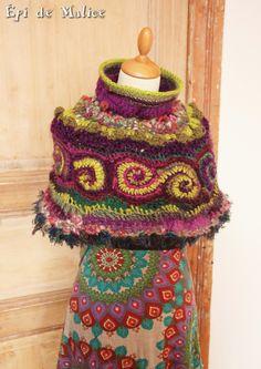 Poncho, cape, capeline, réalisé au crochet, freeform crochet, vert, violet, mauve, rose : Pulls, gilets par epi-de-malice