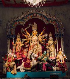 Maa Durga Image, Durga Maa, Goddess Art, Durga Goddess, Durga Puja Kolkata, Durga Images, Hindu Festivals, Buddha Meditation, Hinduism