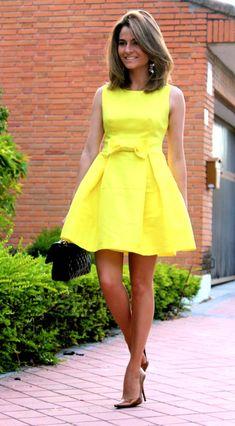 Amarillo Blod de moda Blog moda Calzados Gredos Chanel Dress Fashion Fashion blog Lady Moda New Collection Nueva Colección Suite 210 Tendencias Teria Yabar vestido Yellow