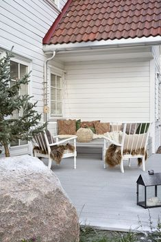 En hytte utenom det vanlige – Rom123 Indoor Outdoor Living, Outdoor Rooms, Outdoor Furniture Sets, Outdoor Decor, Home Interior Design, Exterior Design, Interior And Exterior, The White Company, Navidad Natural