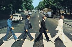 Os Beatles atravessando a Abbey Road