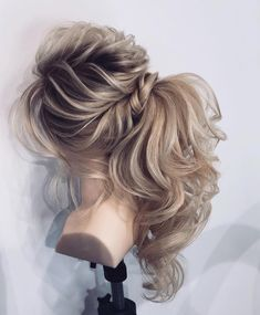 Next level hair goals! Ponytail Hairstyles, Updos, Braided Half Up, Pony Tails, Half Up Half Down, About Hair, Hair Goals, Hair And Nails, Braids