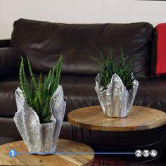 Amazing Things You Can Do With Cement Coisas incríveis que você pode fazer com cimento 4 beautiful home decorating ideas using cement. Diy Crafts Hacks, Diy Home Crafts, Diy Arts And Crafts, Diy Home Decor, Diy Cement Planters, Cement Flower Pots, Garden Planters, Planter Pots, Concrete Crafts