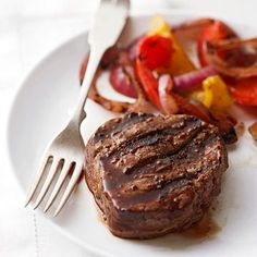 Low-Calorie Dinner Recipes  A dinner that's delicious and low in calories? Yes, it's possible! Try these guilt-free main meal dishes, each less than 300 calories per serving.
