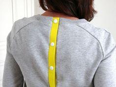 """ajouter une patte de boutonnage dans le dos (ici les pattes sont """"faites maison"""" mais pourquoi pas utiliser un biais large?) pour airelle?"""