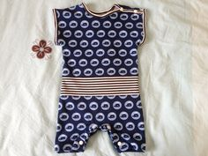 Summer baby bodysuit. More DIY on http://pares.se