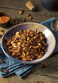 How To Bake Pumpkin and Winter Squash Seeds Roasted Pumpkin Seeds, Baked Pumpkin, Tostadas, Squash Seeds, Chaat Masala, Squashes, Nutrition, Spicy, Stuffed Peppers