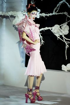 THIS IS CREATIVITY  Christian Dior Spring 2007 Couture - Collection - Gallery - Style.com