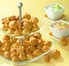 Würzige Happen - Ein pikantes Fingerfood mit einem Quark-Dip