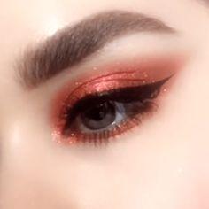 Easy eye makeup tutorial - - Easy eye makeup tutorial make-up Makeup Fx, Cute Makeup, Pretty Makeup, Makeup Goals, Makeup Inspo, Makeup Inspiration, Hair Makeup, Makeup Guide, Eyebrow Makeup