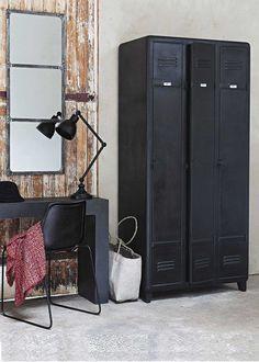 Meuble industriel ancien vestiaire usine pour la maisons for Optimiser rangement chambre