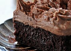 If you need a perfect chocolate cake, look no further than Nan's chocolate cake with fudge frosting. Chocolate Pudding Cake, Perfect Chocolate Cake, Fudge Frosting, Fudge Cake, Cake Recipes, Dessert Recipes, Jewish Recipes, Sweet Tooth, Yummy Food