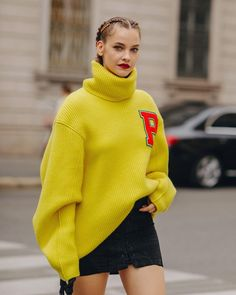 """CGstreetstyle / Photographer ✨'s Instagram post: """"Milan is doooooone babyyyyy ✨(let's leave this crazy city asap)"""" Barbara Palvin, High Fashion, Womens Fashion, Sweater Weather, Milan, Knit Crochet, Turtle Neck, Let It Be, Knitting"""