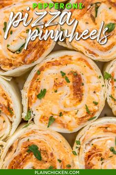 Pepperoni Pizza Pinwheels - I am ADDICTED to these sandwiches! Cream cheese, pizza sauce, mozzarella cheese, and pepperoni wrapped in a tortilla. Can use low-carb or gluten-free tortillas. You can make these ahead of time and refrigerate until ready to eat. Perfect for a quick lunch, parties, and tailgating! #sandwich #tortilla #pizza #pepperoni Pinwheel Appetizers, Pinwheel Recipes, Yummy Appetizers, Appetizers For Party, Appetizer Recipes, Snack Recipes, Cooking Recipes, Skillet Recipes, Cooking Gadgets