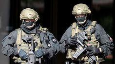 Offenbach -Spektakulärer Einsatz einer Elite-Einheit: Gestern habenEinsatzkräfte einenKriegsverbrecher in Offenbach festgenommen. Er soll in Syrien vor aufgespießten Köpfen posiert haben.