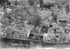 1920. Vista aèria del barri vell al voltant de la Basílica de Sant Feliu de Girona