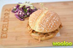 Burger effiloché érable et dijon à la mijoteuse Pizza Hamburger, Crockpot, Slow Cooker, Dishes, Chicken, Fruit, Ethnic Recipes, Desserts, Food