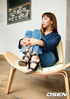 Luna Kpop Girl Groups, Kpop Girls, Luna Fx, Song Qian, Fandom, Chinese Zodiac Signs, Victoria, Sulli, Pop Bands
