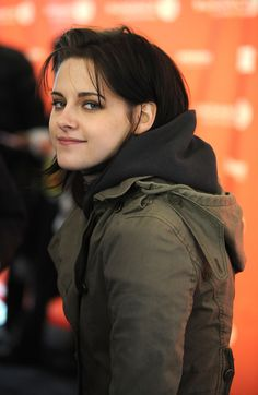 Kristen Stewart allegedly doesn't get the appeal – Celebrities Woman Kristen Stewart And Stella, Kristen Stewart Twilight, Kristen Stewart Hair, Kirsten Stewart, Hollywood Celebrities, Hollywood Actresses, Sils Maria, Actrices Sexy, Look Alike