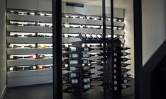 Design wine cellar in mineral resin, by Degré 12